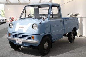 "The Honda T360. I'd drive that. Actually, ""I'd Drive That"" would make a good slogan for Honda. Get some famous people to say that and boom! Top selling truck."